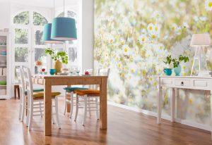 Ambiente Decorado com Painel Fotográfico de Margaridas